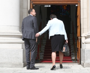 04-Varadkar-and-Foster_90515104